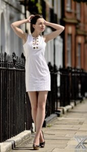 Endlos lange Modelbeine; Foto Serguei Cherkassov