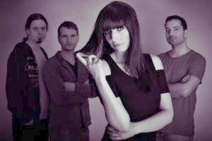 Maya mit Band, fotografiert von Natasha Morokhova
