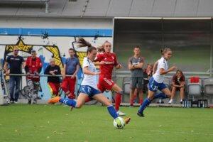 Leonie Kreil (in Blau) , Foto: Hannes Seifert