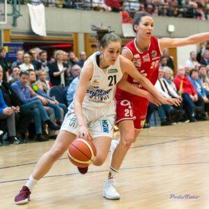 Sarah Polleros gegen Osnabrück im Finale des Top 4; Foto Heinrich Podobienski