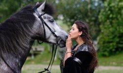 Nadine Knauer mit Nepomuk Foto Julia Gens