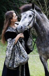 Nadine Knauer und Nepomuk fotografiert von Julia Gens